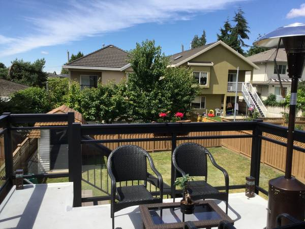 aluminum and glass deck railing, t-top, fascia mounted burnaby