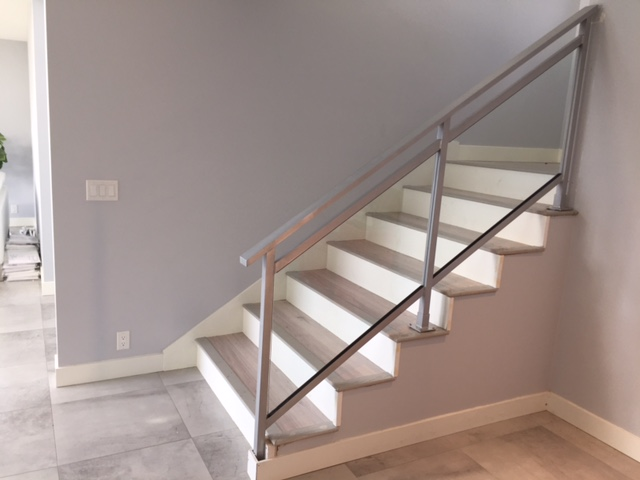 modern interior glass & metal railing, silver, vancouver